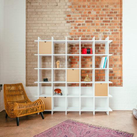 pappregal-cardboard-shelf-shelly-white-5x5-living-room-wohnzimmer-1